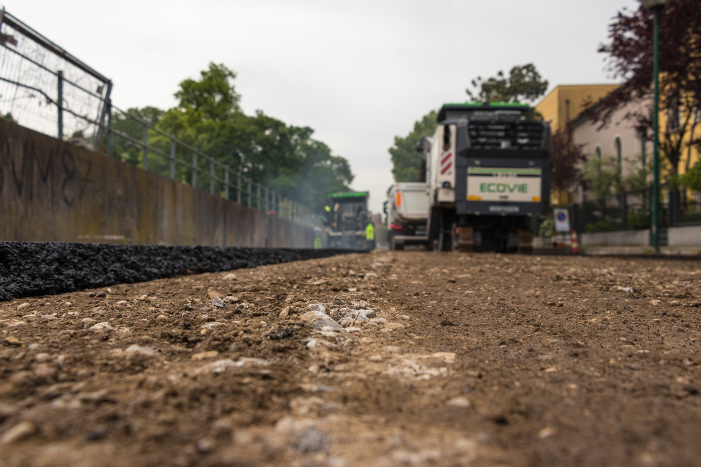 Pavimentazione strade-via F.lli Bandiera